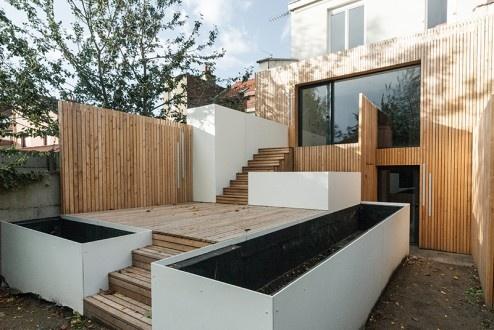 FENÊTRE SUR JARDIN, Réhabilitation et extension d'une maison de ville, aménagement d'une terrasse et des espaces extérieurs à Marcq en Baroeul : DIENTRE_fenetre_sur_jardin_terrasse02-494x330